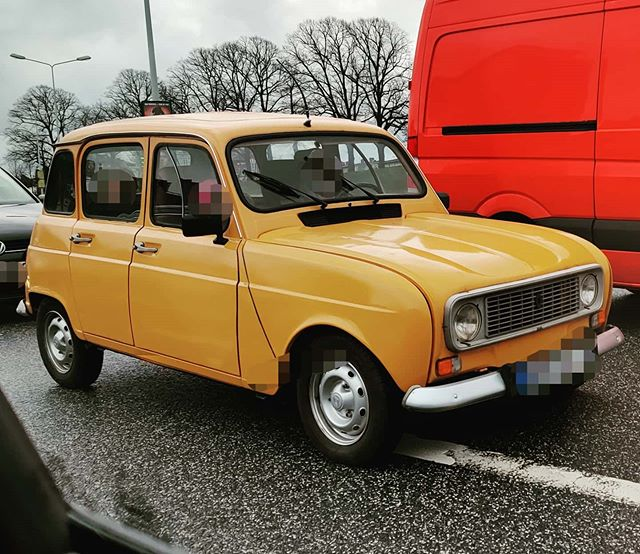 #instagram: Something special: ein alter Renault